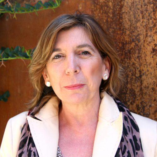 Dra. Dña. Esther de la Viuda García